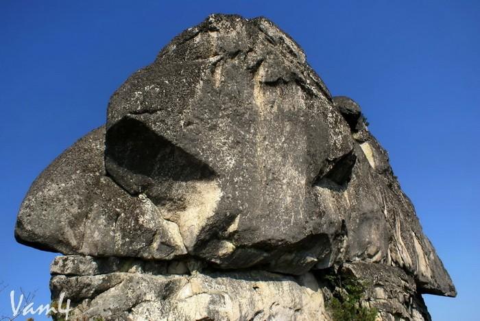 Амурские столбы. Фрагмент Шаманн-камня. Автор Vam4