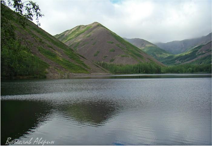 Озеро Омот. Между облачностью и пасмурностью