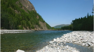 Скала на реке Герби