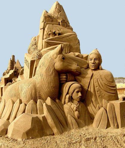 Песчаная скульптура десятая