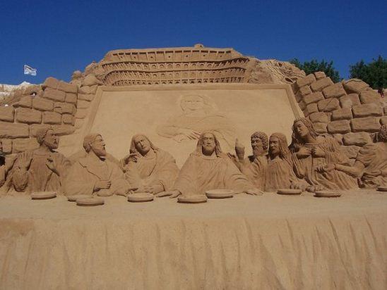 Skulptura-iz-peska-chetyirnadtsataya