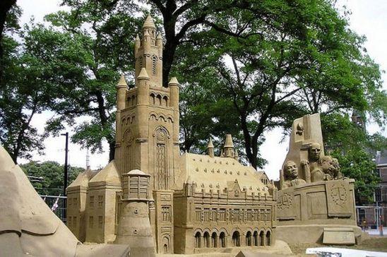 Skulptura-iz-peska-dvadtsataya