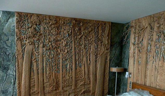 Резная картина из дерева. Резное панно