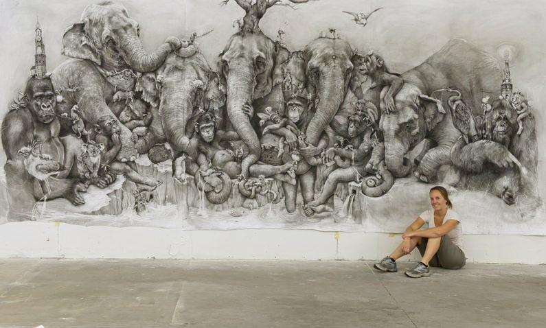 ArtPrize 2012. Adonna Khare и ее большие рисунки. Слоны. Неполный общий план