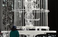 4-х метровая скульптура Джиничи Let It Be