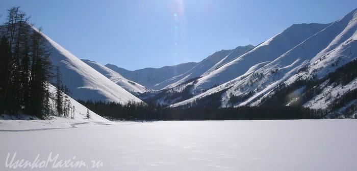 Озеро Омот. Баджальский хребет. Март 2007