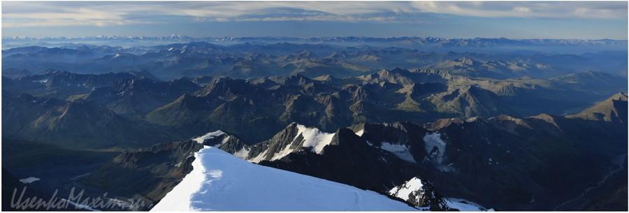 Алтай. Вид с Белухи на Казахстан. Горные миниатюры