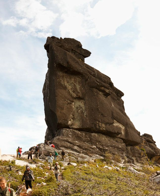 Амурские столбы.  Шаман-камень. Авторы Мария и  Павел Карепановы