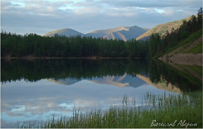 Озеро Омот. Тишина и покой безветрия