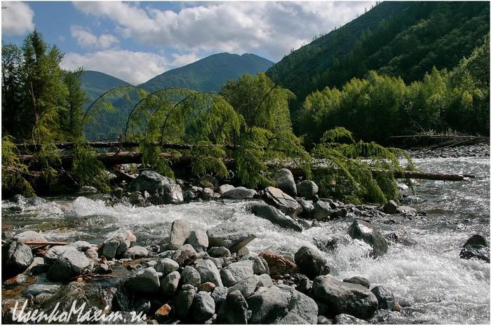 Пороги на разветвлениях реки Омот-Макит