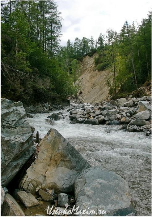 Река Омот-Макит за пару километров перед озером Омот