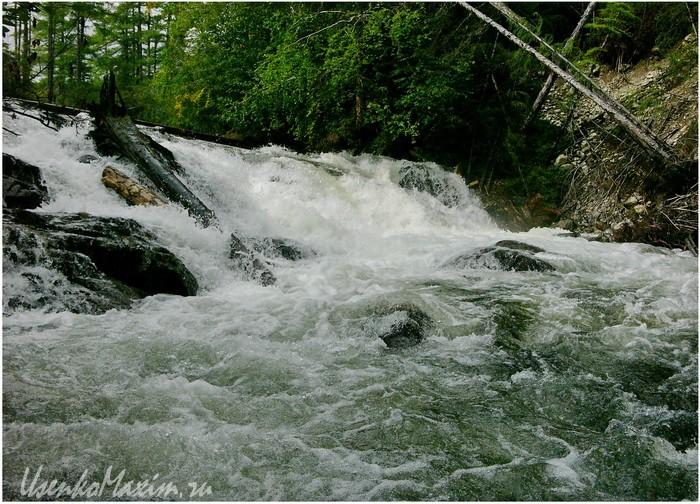 Река Омот-Макит. Самый большой порог на реке Омот-Макит. У озера Омот