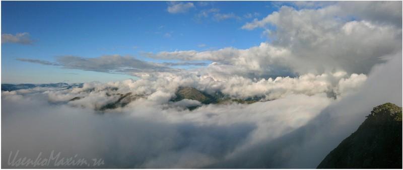 Oblaka-v-gorah.-Badzhalskiy-hrebet.