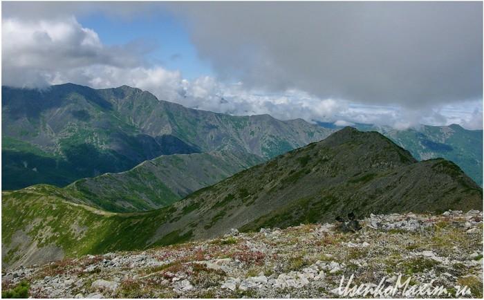 Баджальский хребет. Вид с вершины Купол