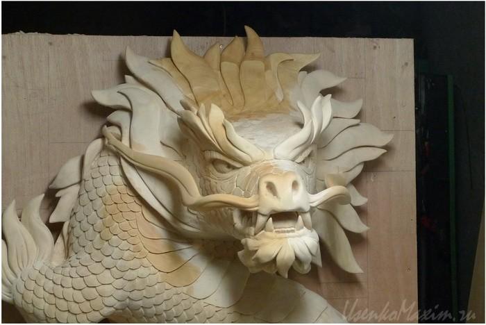Деревянная скульптура. Проверка цвета после лакировки