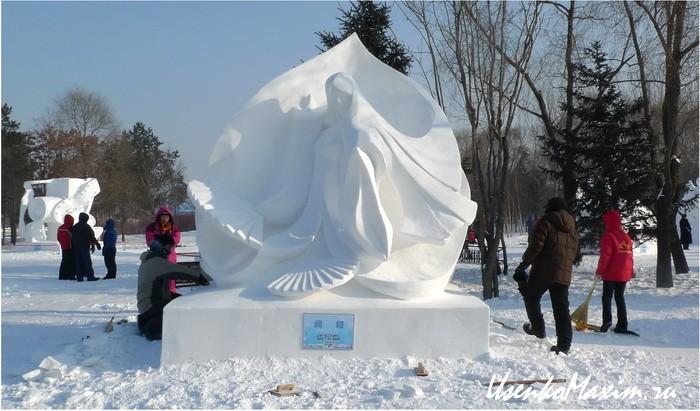 Jeti-japoncy-uzhe-pozamorachivalis'-Harbinskij-sneg-2010