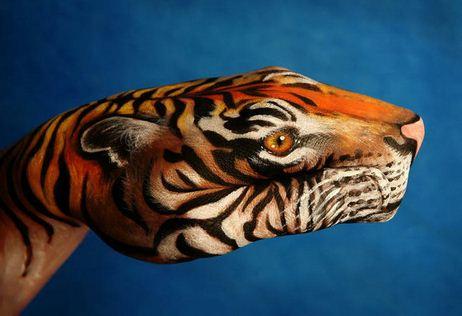 Tigr.-Neobyichnoe-iskusstvo-Finger-painting