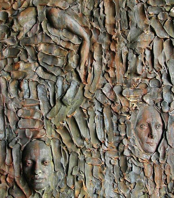 Скульптор Zenos Frudakis. Бронзовая скульптура в Филадельфии четвертая