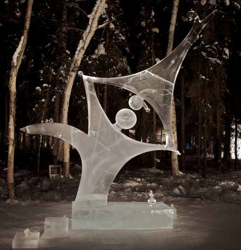 Аляска 2012. Сингл блок. Скульптура Acrobats. 3 место