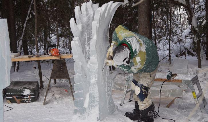 Аляска 2012. Сингл блок. Скульптура Пегас в небе. В процессе создания.  10 место