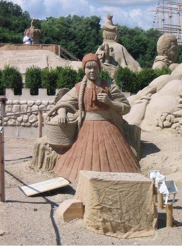 Peschanaya-skulptura-chetvertaya
