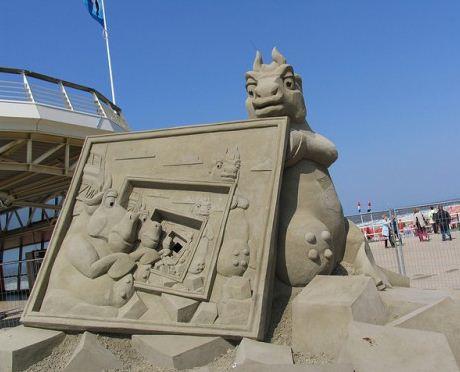 Peschanaya-skulptura-dvadtsat-vosmaya.