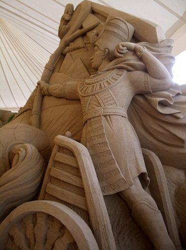 Песчаная скульптура первая
