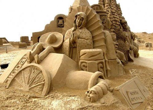 Песчаная скульптура третья