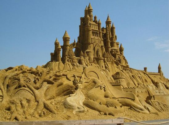 Skulptura-iz-peska-chetvertaya