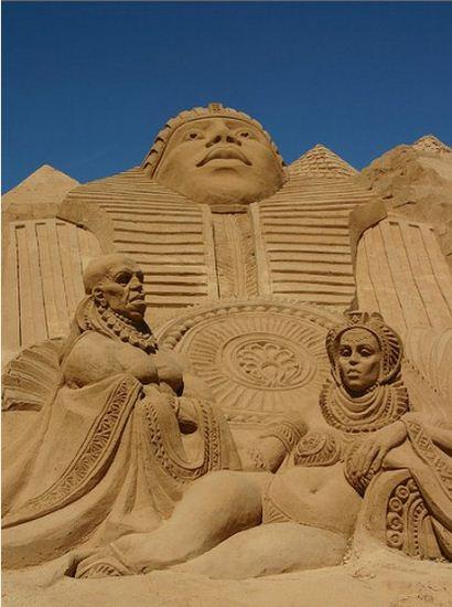 Skulptura-iz-peska-tretya