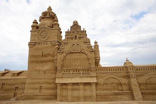 Skulptura-iz-peska-tridtsat-vtoraya