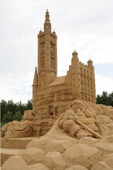 Skulptura-iz-peska-tridtsataya