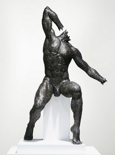 Yeong-Deok Seo. Скульптура из велосипедной цепи третья