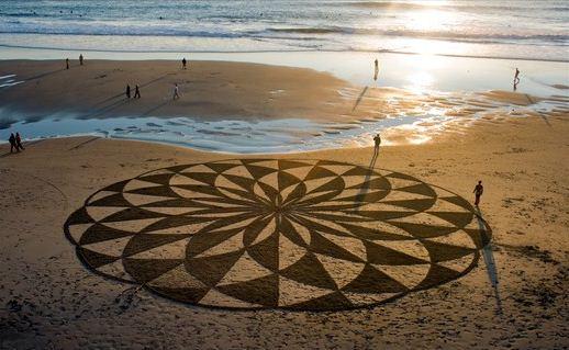 Andres Amador. Большие пляжные рисунки на песке. Десятый