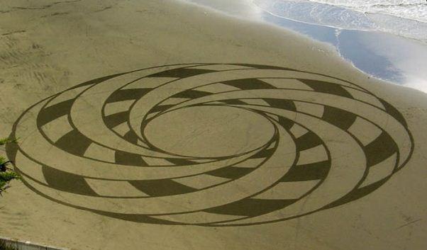 Andres Amador. Большие пляжные рисунки на песке. Двадцатый