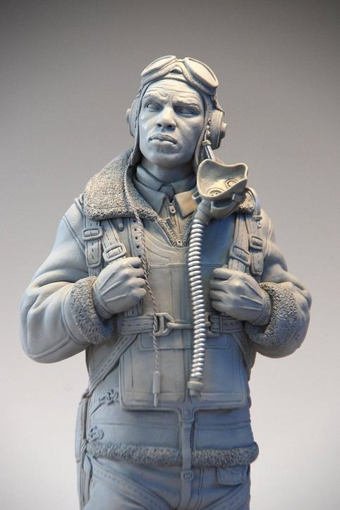 Mark Newman. Мелкая скульптура. Tuskegee Airman 3