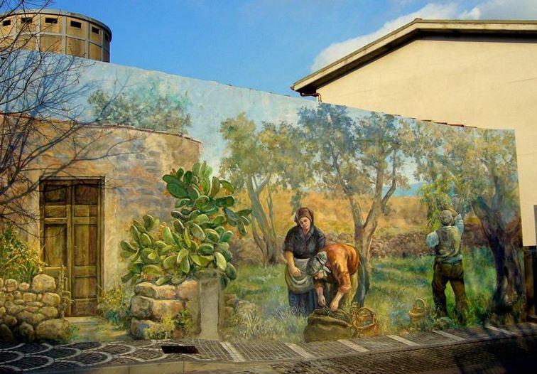 Расписные дома. Картины на стенах. Четвертая роспись в городке Тиннура. Сардиния