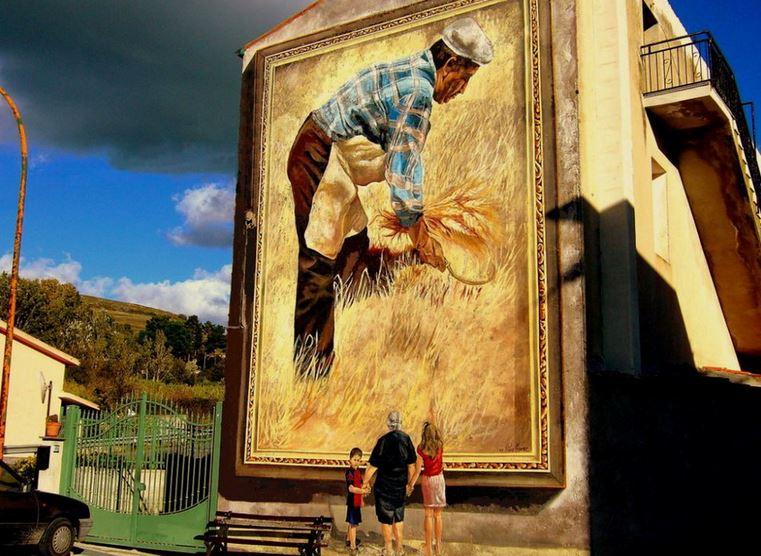 Расписные дома. Картины на стенах. Роспись в городке Semestene. Сардиния