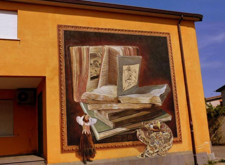 Расписные дома. Картины на стенах. Роспись в городке Суни. Сардиния