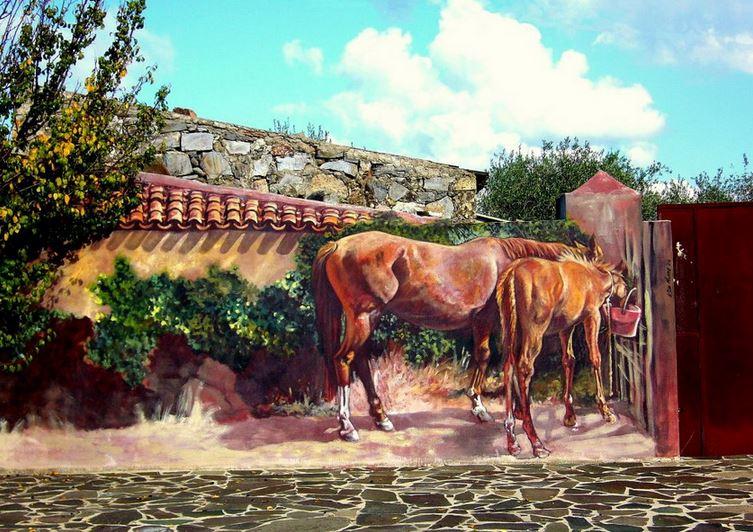 Расписные дома. Картины на стенах. Третья роспись в городке Semestene. Сардиния