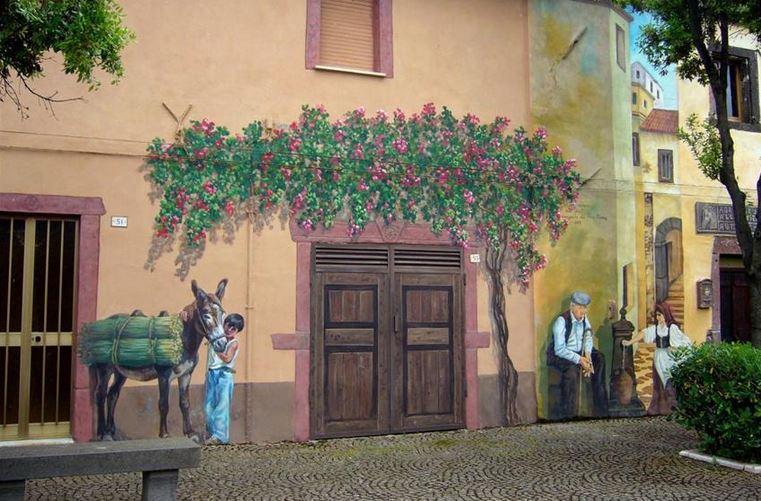 Расписные дома. Картины на стенах. Третья роспись в городке Тиннура. Сардиния