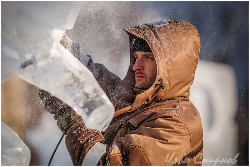 Александ Кузнецов. Призер нескольких последних конкурс ледовых и снежных скульптур в Харбине