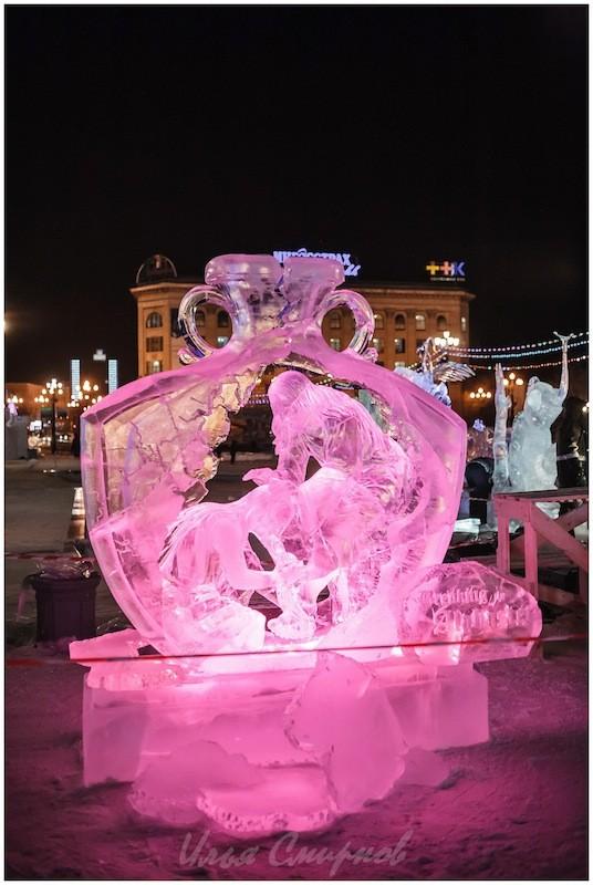 Скульптура «Разбивая алебастровую коробку»